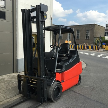 LINDE E25 2500 kg