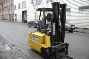 TCM FB15 1500 kg triplex